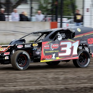 2012 Davenport Speedway (Photo Dirt Racer Magazine) C